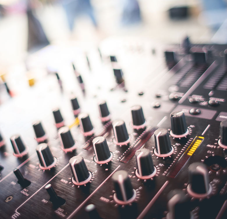 Mesa de sonido - Aktua